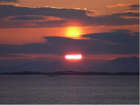 Solnedgang over krøttøya
